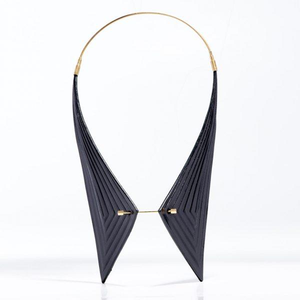 11-single-collar-black
