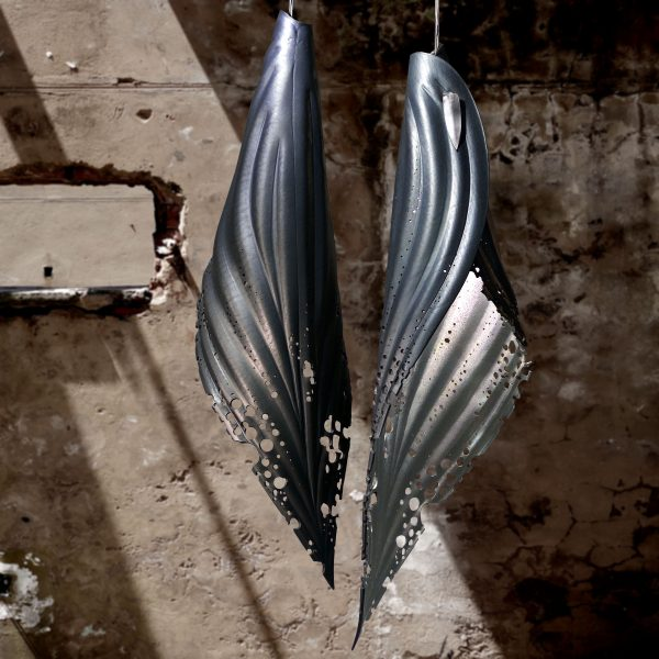 6 silver pierced blade