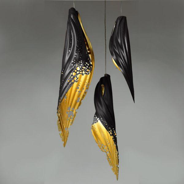 pierced blade black:gold cluster
